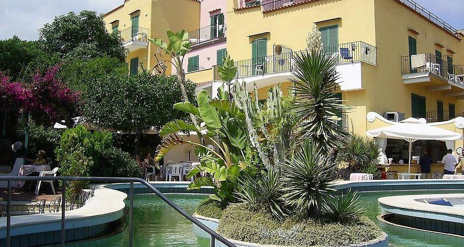 Bagno Giapponese Terme Ischia : Hotel royal terme ischia island